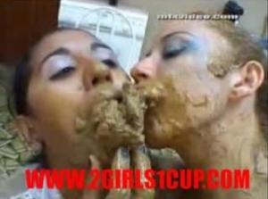 2girls1cup-eating